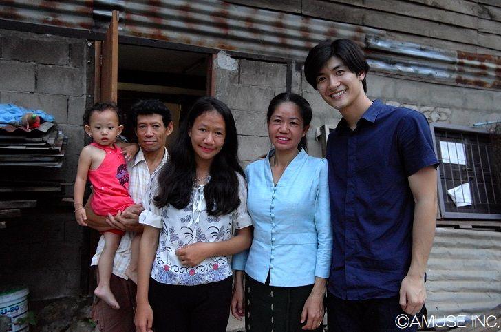 2017年ラオ・フレンズ小児病院に訪れた三浦春馬