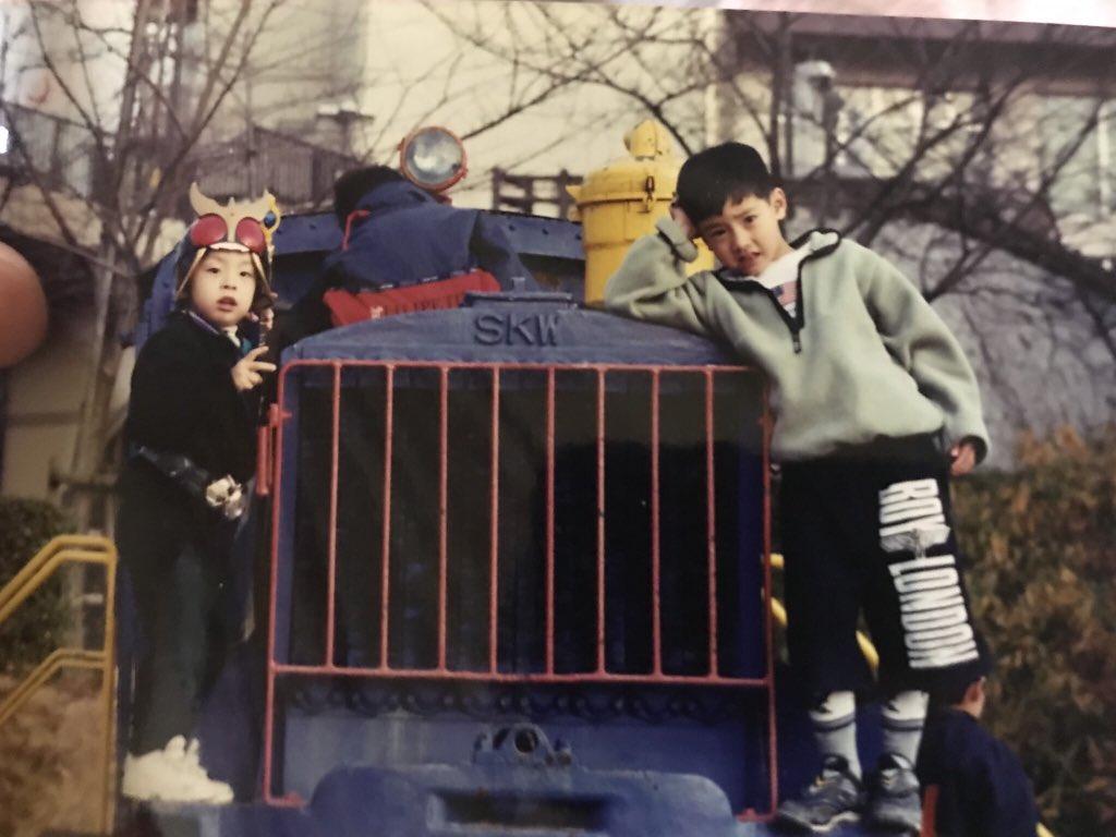 幼少期の赤楚衛二と弟