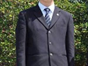 「横浜緑園高校の制服画像」