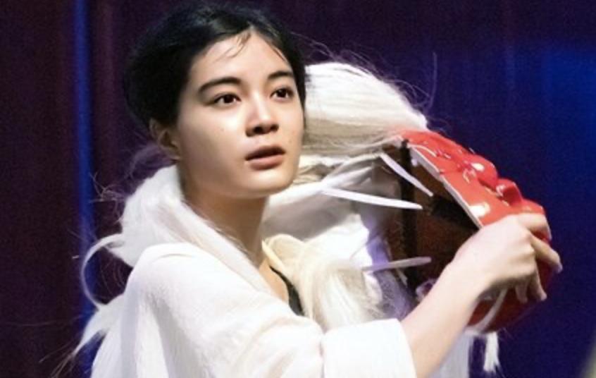 映画「鬼ガール!!」に出演する女優・吉田美月喜