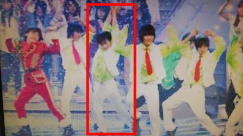 に「sexyzone」のバックダンサーの松田元太