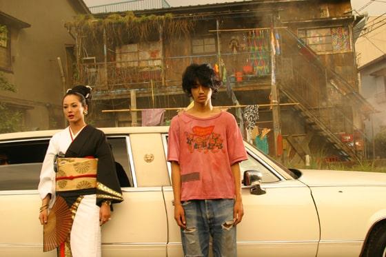 映画「嫌われ松子の一生」で共演した瑛太と木村カエラ