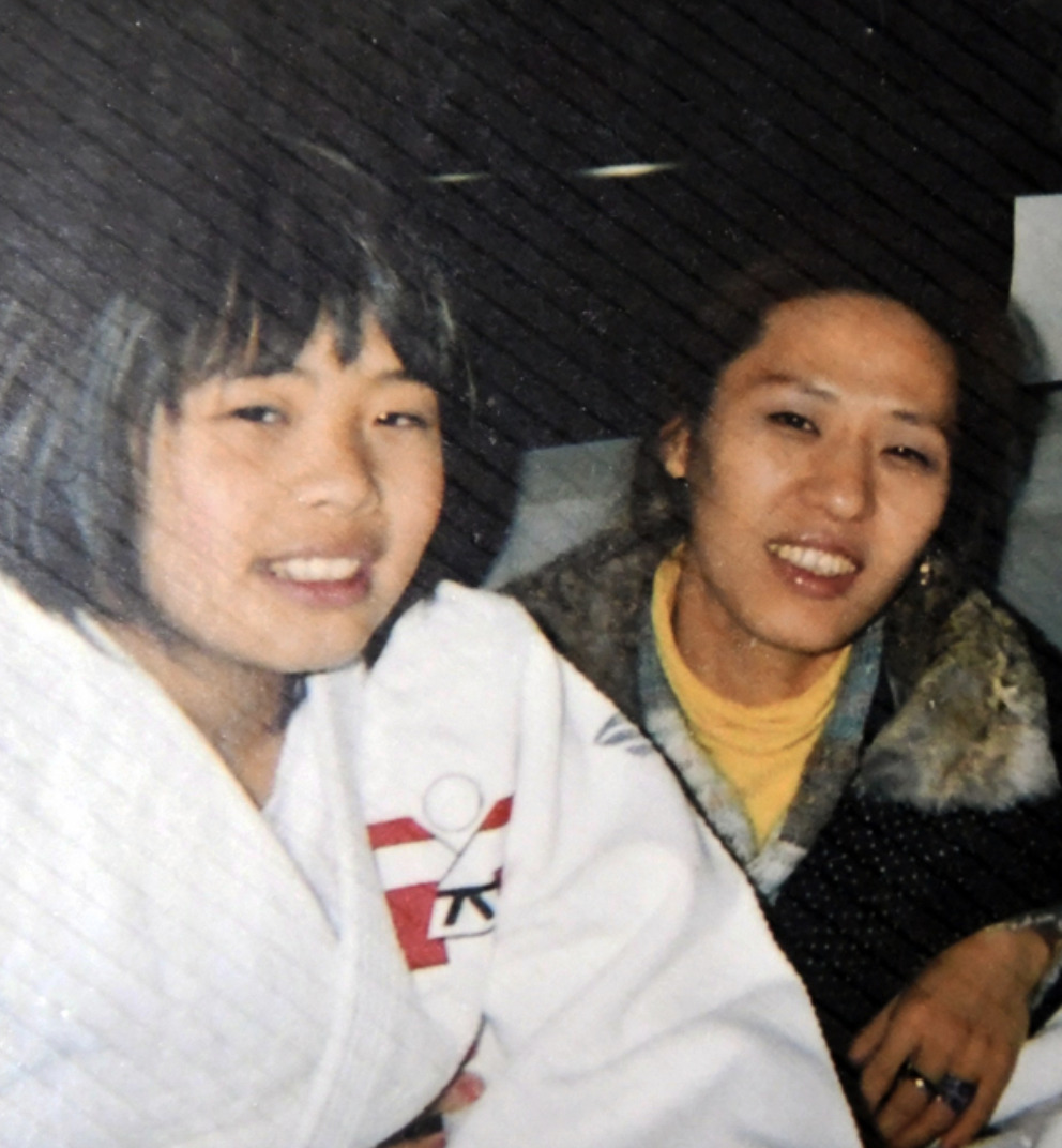 素根輝選手と母の美香さん